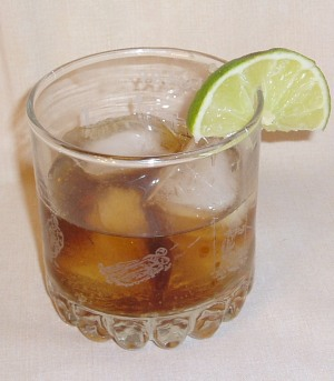 how to drink whiskey with coke