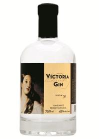 VictoriaGin-white5x7-bright