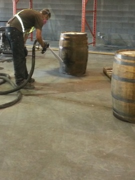 Dry Ice Blasting Bottom Barrels